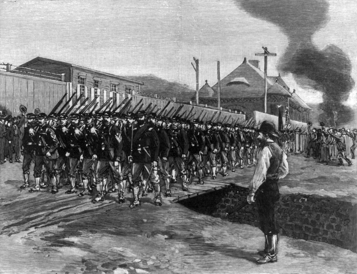 Homestead_Strike_-_18th_Regiment_arrives_cph.3b03430